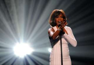 ¿La cantante Whitney Houston en concierto?